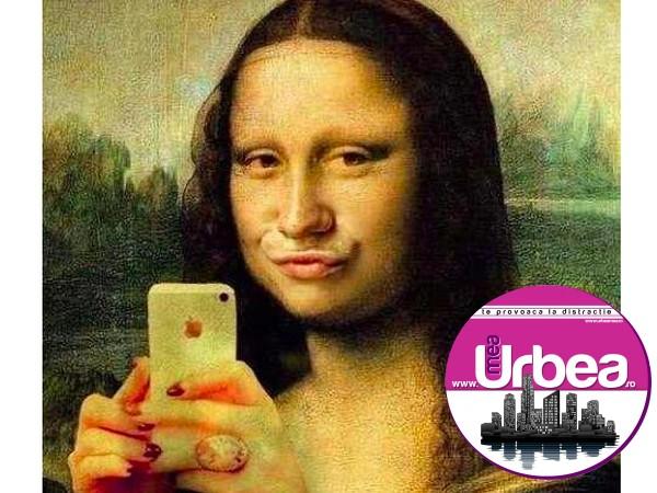 """Facebook. Ce spun psihologii despre nevoia de """"selfie-uri""""?"""