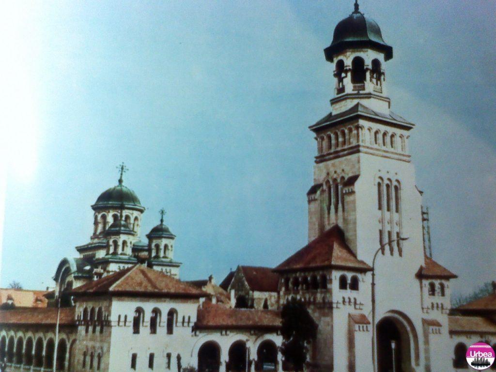 Catedrala ortodoxă din Alba Iulia, construită în anii 1921-1922, monument reprezentativ de arhitectură românească.