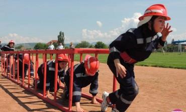 """VINERI: Peste 90 de elevi din Alba participă la concursurile """"Prietenii Pompierilor"""" și """"Cu viaţa mea apăr viaţa"""", organizate de ISU Alba"""
