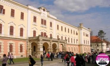 """JOI: Expoziţia """"Pompierii din România în slujba națiunii, istorie, tradiții"""", la Muzeul Naţional al Unirii din Alba Iulia"""