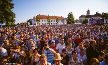 2-4 IUNIE, Alba Fest 2017: Delia, Loredana, Damian&Brothers și Smiley, dar şi alţi artişti urcă pe scena din Alba Iulia