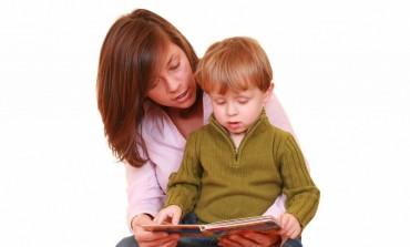 """VINERI: Cursuri gratuite de parenting, la Biblioteca Municipală """"Liviu Rebreanu"""" din Aiud"""