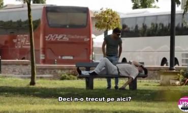VIDEO: Mircea Bravo a venit şi la Alba Iulia. Îl căuta pe Jancsi în oraşul Marii Uniri