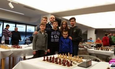Clasări fruntaşe pentru şahiştii de la CSU Alba Iulia şi în probele de şah rapid şi dezlegări