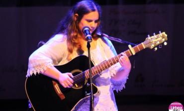 """FOTO: A doua seară a Concursului de Muzică Folk """"Ziua de Mâine"""". Ultimii cinci concurenţi au urcat pe scenă"""