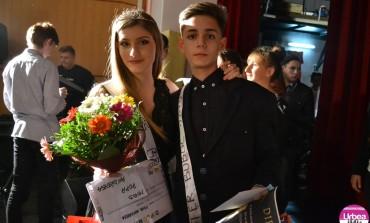 FOTO: După trei ore în Egipt, Andreea Popa şi Claudiu Klamer au fost desemnaţi Miss şi Mister Boboc 2015 la Colegiul Tehnic Apulum