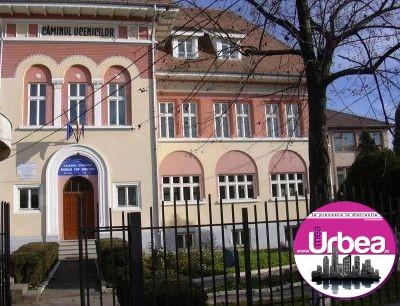 Joi. Târgul Regional al firmelor de exercițiu Alba Carolina, la Casa de Cultură a Sindicatelor din Alba Iulia, a treia ediție