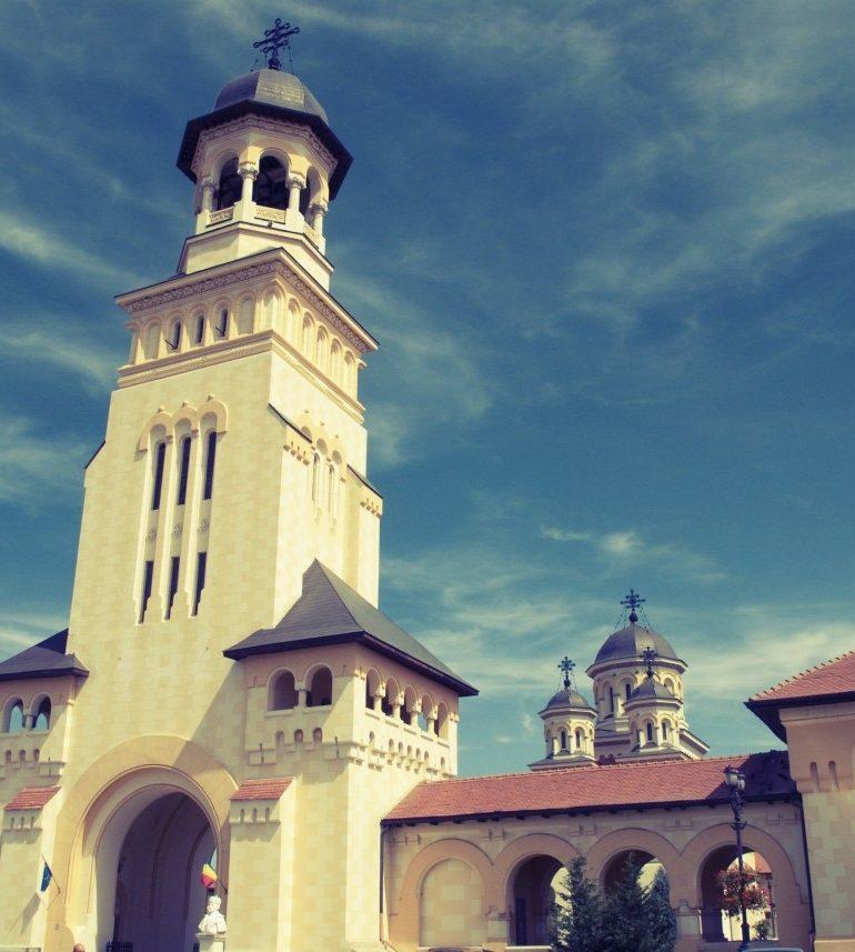 ASTĂZI: Moaştele Sfântului Ierarh Nicolae vor fi aduse la Catedrala Ortodoxă din Alba Iulia