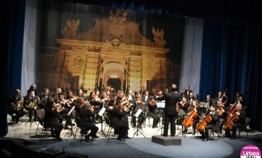 """FOTO-VIDEO: Concert extraordinar de Crăciun cu Orchestra de cameră """"Augustin Bena"""" şi Corul Filarmonicii de Stat Transilvania din Cluj Napoca, la Alba Iulia"""