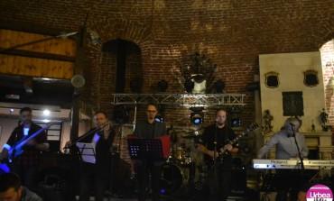 """FOTO-VIDEO: Concert de Crăciun marca """"The Puzzles & Friends"""", la Pub 13 din Alba Iulia"""