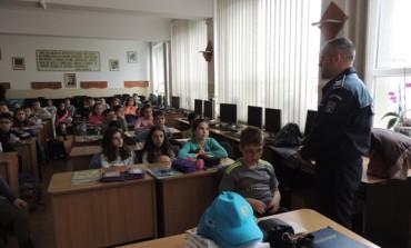 FOTO: Activități de informare și educare organizate de IPJ Alba pentru elevii din județ