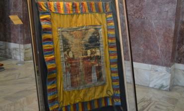 FOTO: Drapelul comemorativ al uneia dintre legiunile lui Avram Iancu a ajuns la Sala Unirii din Alba Iulia