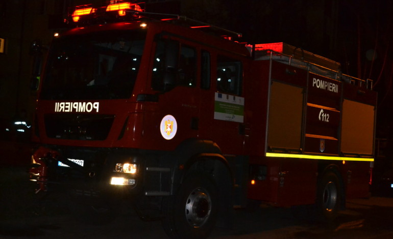 Incendiu la Răhău: Pagube de 80.000 de lei după ce o casă a fost distrusă de flăcări