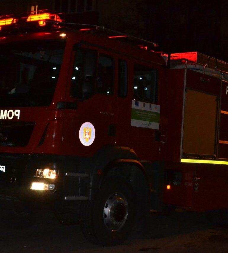 Incendii la Vinţu de Jos şi Ighiu: Pompierii au intervenit pentru stingerea flăcărilor de la două case de locuit