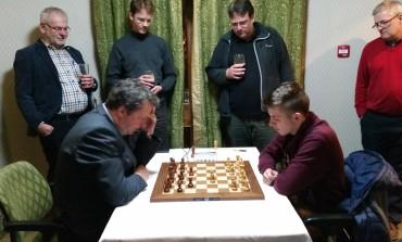 FOTO-VIDEO: Bunratty Chess Festival, în Irlanda. Mihnea Costachi, învins doar de Nigel Short
