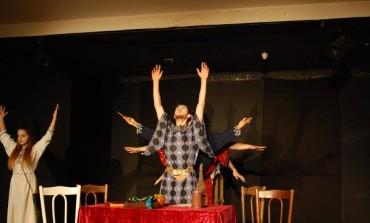 """A treia ediţie a Festivalului Internaţional de Teatru de Tineret """"Apollo"""", la Alba Iulia, în perioada 14-18 aprilie"""