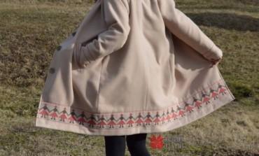 Tradiția pe val, sau cum să transformi o haină obișnuită într-una spectaculoasă