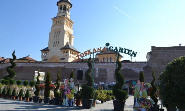 FOTO: A început Târgul Grădinarului, ediția a VIII-a, la Alba Iulia. Prețuri de la 1,5 lei