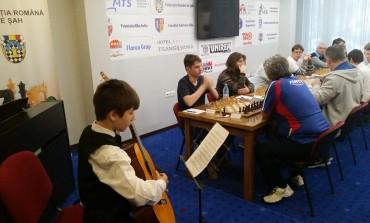 Openul Internațional al României la șah: Nevednichy și Halkias, lideri cu o rundă înainte de final