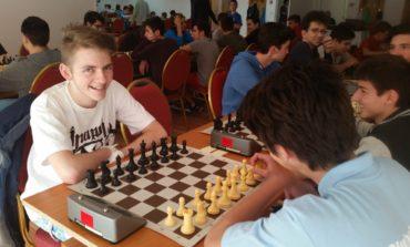 FOTO: Campionatele Naționale de juniori. Trei medalii pentru tinerii albaiulieni la proba de șah rapid
