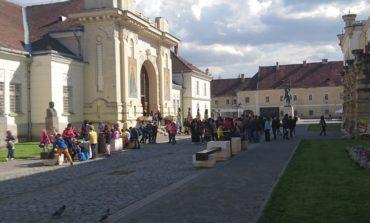 """(FOTO)  """"Şcoala Alfel"""": Peste 12.000 de elevi din toată ţara au trecut pragul Muzeului Naţional al Unirii din Alba Iulia"""