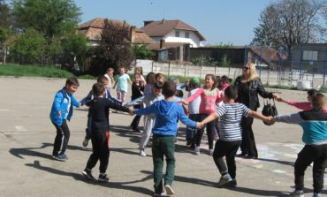 FOTO: Ateliere de creație, pictură și grafică pe teme de primăvară și recitaluri muzicale, la Clubul Copiilor Aiud