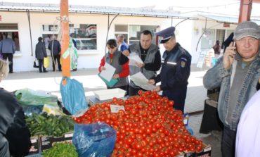 (FOTO) Acțiune IPJ Alba: Zeci de comercianți verificați și amenzi de peste 22.000 de lei