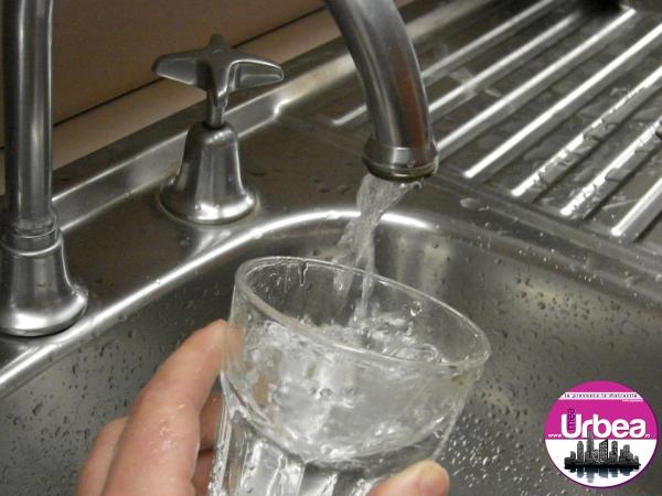 """Mai mulţi cetăţeni din zona Ocna Mureș au rămas fără apă potabilă. APA CTTA: """"Ne cerem scuze faţă de consumatorii cărora n-am reuşit să le respectăm programul de furnizare…"""""""