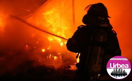 Incendiu în Borleşti, lângă Cîmpeni: Pompierii au intervenit pentru stingerea flăcărilor de la un atelier