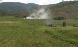 Acces interzis în zona poligonului de pe dealul Mamut. Se execută distrugeri cu material real