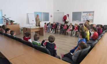 """FOTO: """"Săptămâna manierelor elegante"""", la Centrul de Resurse – Academia Doamnelor din Alba Iulia"""