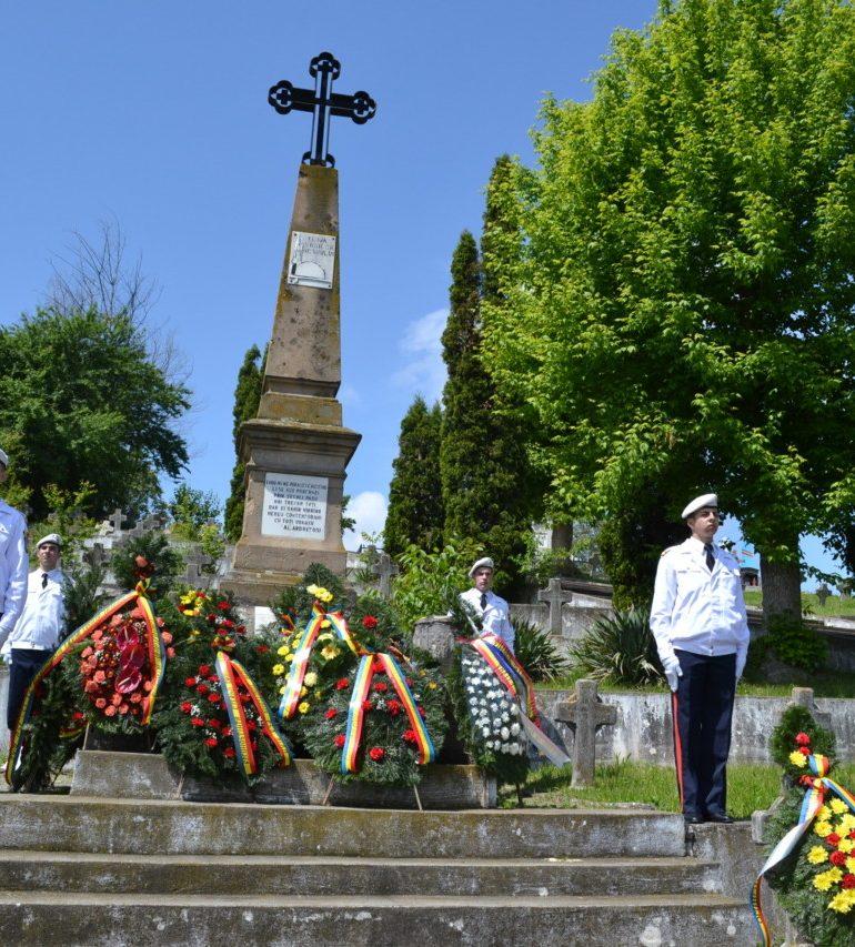 Ziua Armatei Române, marcată la Alba Iulia printr-un ceremonial militar la Cimitirul Eroilor