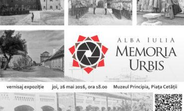 """JOI: Expoziţia """"Alba Iulia Memoria Urbis"""", la Muzeul Principia din Piaţa Cetăţii"""