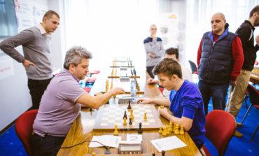 Festivalul internațional de șah Open Iași –  Mihnea Costachi a remizat cu Andrei Istratescu după o rezistență eroică