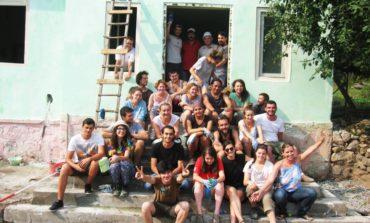 FOTO: Asociația RYMA restaurează fosta grădiniță a satului Corna din comuna Roșia Montană