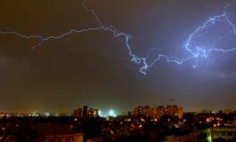 Cod Porocaliu de furtună în Alba: Sunt semnalate averse, vijelii, descrărcări electrice şi grindină
