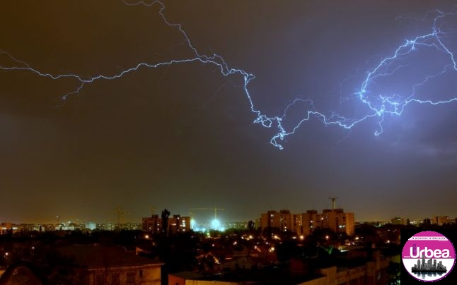 ISU Alba: Măsuri ce vă pot salva viaţa în caz de furtună sau inundaţii