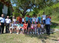 FOTO: Vacanță în siguranță. Tinerii din Tabăra Mănăstire Rimetea şi cei aflaţi în Centrul Misionar pentru Tineret Cetea au primit sfaturi de la polițiști