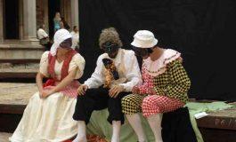 """Piesa de teatru """"Cine-i stăpânul?"""", pusă în scenă de trupa Skepsis, în Alba Iulia"""
