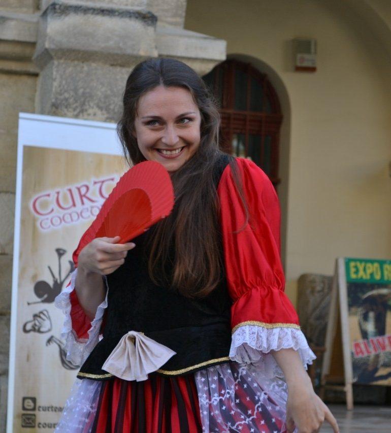 FOTO-VIDEO: Zilele Medievale ale Bălgradului, la Alba Iulia. Ateliere medievale, dansuri și spectacol de teatru în fața Muzeului Național al Unirii