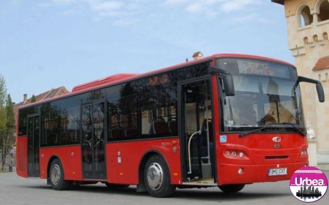 """Amenințări și injurii la adresa unui șofer de autobuz, pe motiv că """"zdruncina"""" un călător turmentat"""