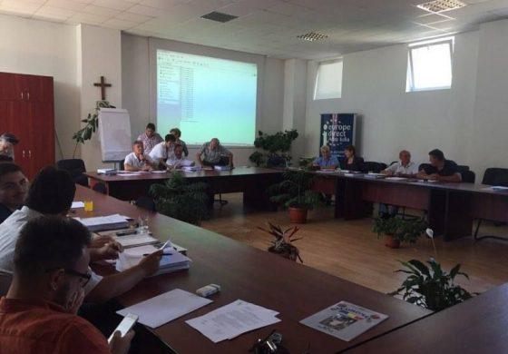 VINERI Şedinţa de Consiliu Local Alba Iulia. Finanţarea unor evenimente şi facilităţi pentru elevi şi studenţi la transportul în comun, pe ordinea de zi