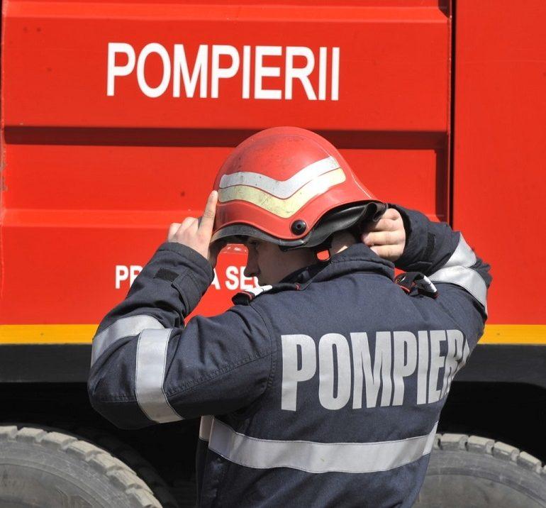 Incendiu la Sebeş: Pompierii au intervenit pentru stingerea flăcărilor de la o magazie