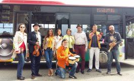 """FOTO: Călătorie inedită prin Alba Iulia, în """"Autobuzul cu jazz"""""""