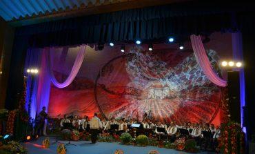 """4 - 8 septembrie: Sărbătoarea cântecului la cea de-a XIX-a ediție a Festivalului Național de Folclor """"Strugurele de Aur"""""""