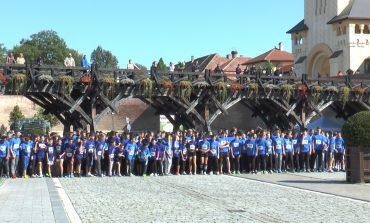 FOTO: Peste 600 de alergători au făcut turul Cetății la Crosul Europei