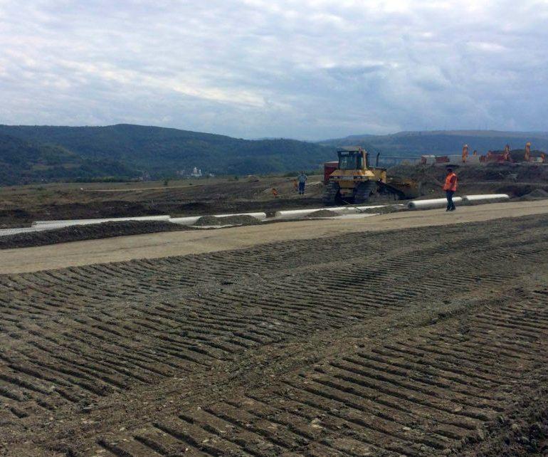 Termenul de finalizare a lucrărilor la autostrada Sebeș-Turda, prelungit cu 20 de luni