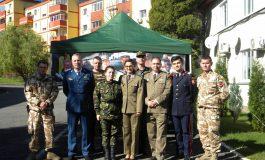 """FOTO: Ziua Armatei Române, marcată de elevii Colegiului Național Militar """"Mihai Viteazul"""" din Alba Iulia prin diferite manifestări"""