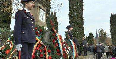 FOTO: Ziua Armatei, sărbătorită la Alba Iulia printr-un ceremonial la Cimitirul Eroilor