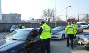 Peste 170 de conducători auto, testați cu aparatul etilotest, în weekend